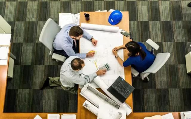 Arbeitssicherheitsfachkraft vom Arbeitsschutz Zentrum Petrich